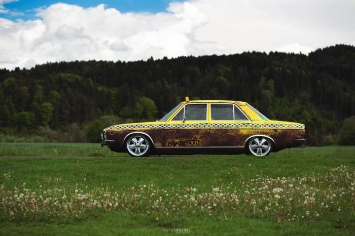 Классический Audi 100 в стиле состаренного такси (18 фото)