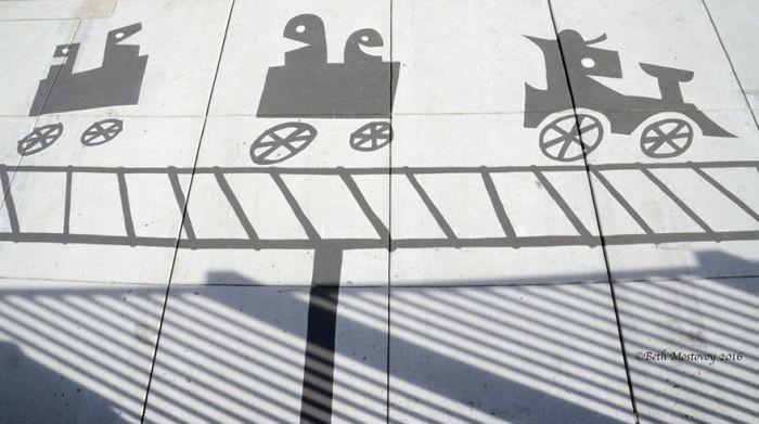 Необычные тени обычных предметов (19 фото)