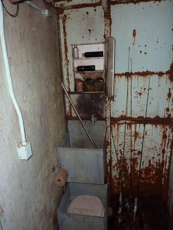 Заброшенное бомбоубежище из 60-х (20 фото)