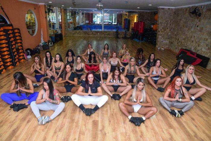 Финалистки конкурса «Мисс Бум-Бум-2017» на групповой тренировке (20 фото)