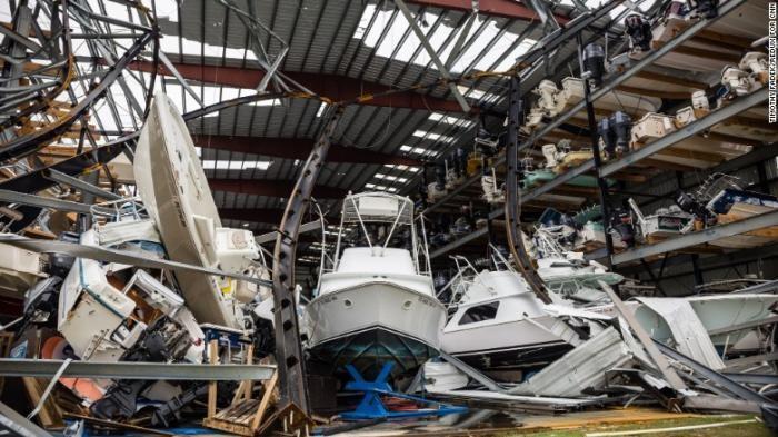 На США обрушился самый мощный за последние 12 лет ураган «Харви» (25 фото)