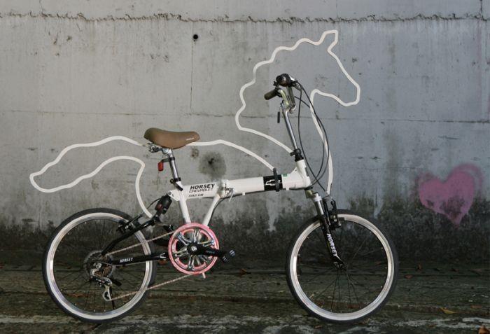 Конь педальный (4 фото)