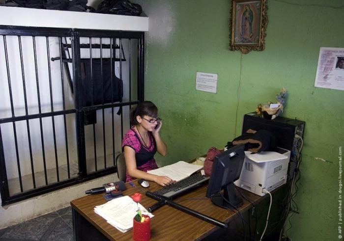 Самая храбрая женщина в Мексике (5 фото)