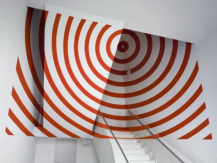 Нарисованные иллюзии, которые видны под нужным углом (34 фото)