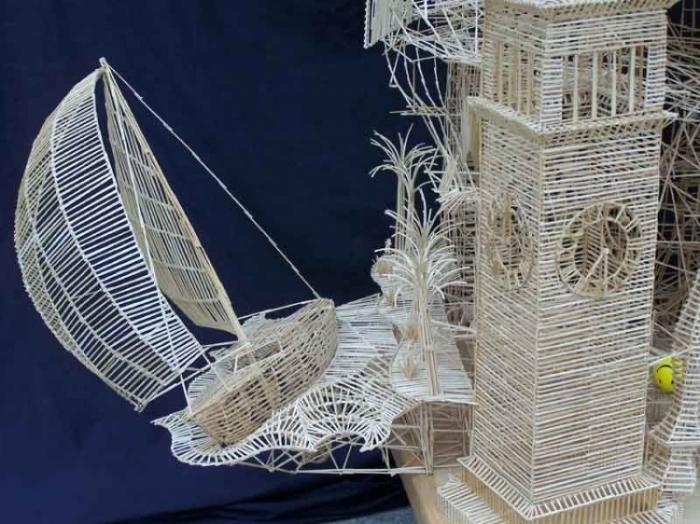 Отличная скульптура из зубочисток (13 фото)