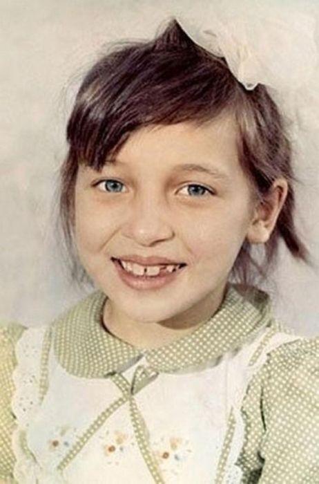 Звезды в детстве и сейчас (32 фото)