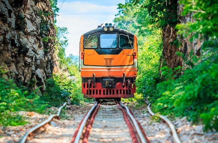Шестерка длинных и интересных железнодорожных маршрутов (6 фото)