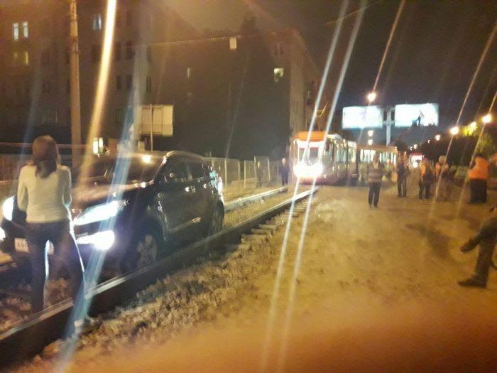 Невероятный фейл автоледи из Санкт-Петербурга (2 фото)