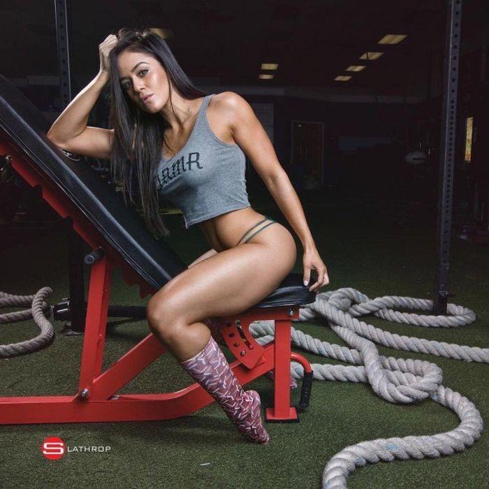 Прекрасные спортивные девушки (24 фото)