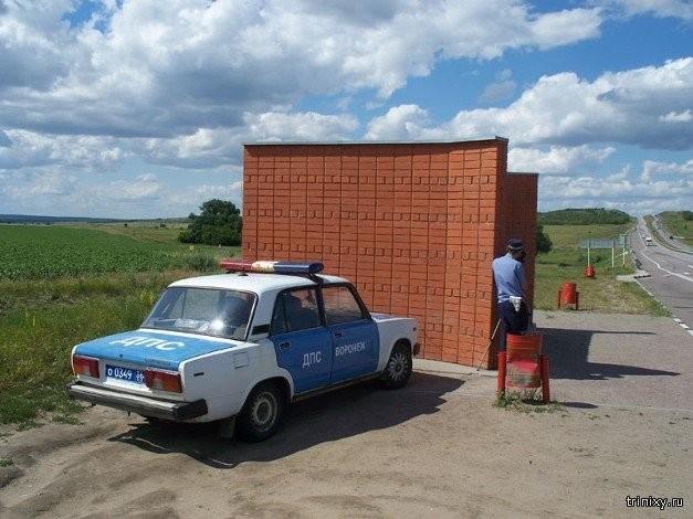 ГАИшники: Грамотную засаду на водителей устроить не просто (10 фото)