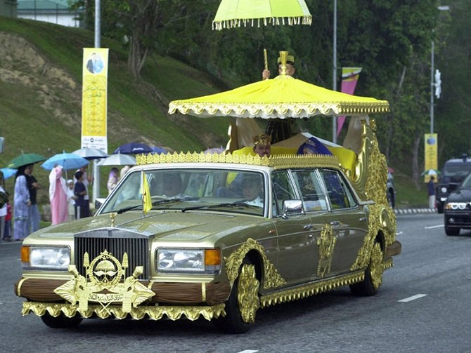 Самые дорогие лимузины в мире (10 фото)