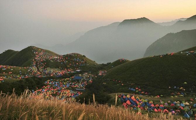 Вся романтика палаточного туризма (14 фото)