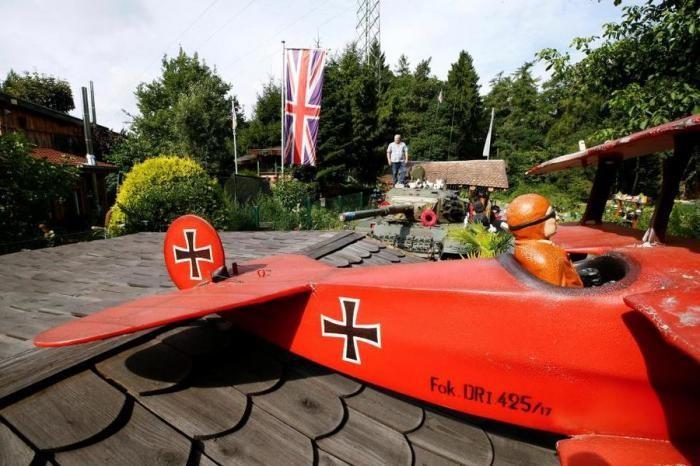Английский эмигрант раздражает немецких соседей (13 фото)