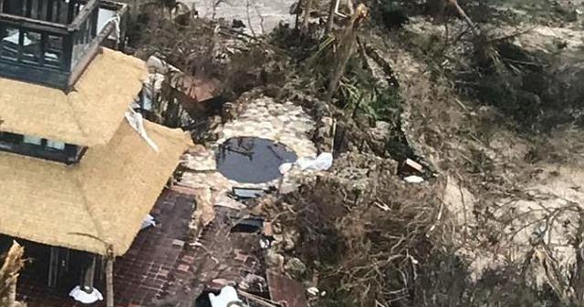 Развалины дома миллиардера Ричарда Брэнсона после урагана «Ирма» (9 фото)
