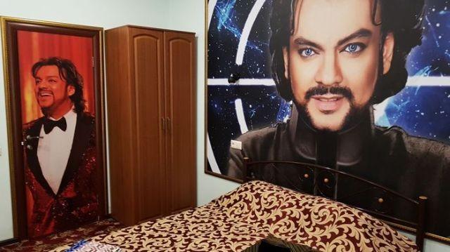 Необычное оформление комнат севастопольского отеля (2 фото)