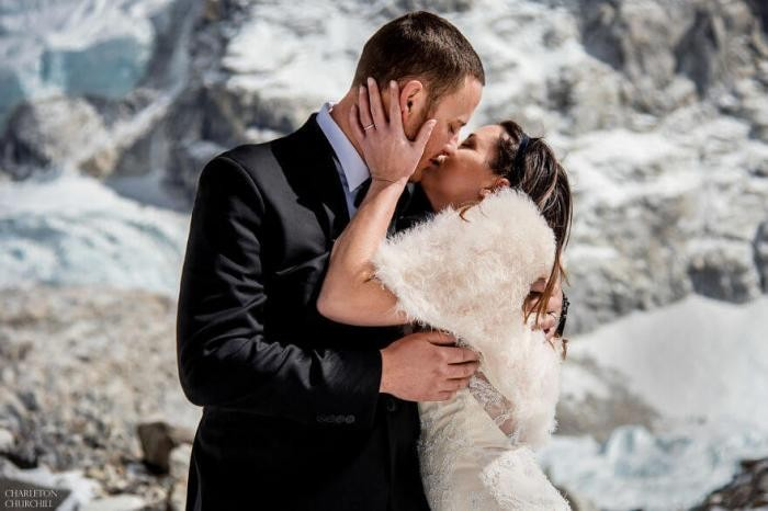 Свадьба на Эвересте (17 фото)