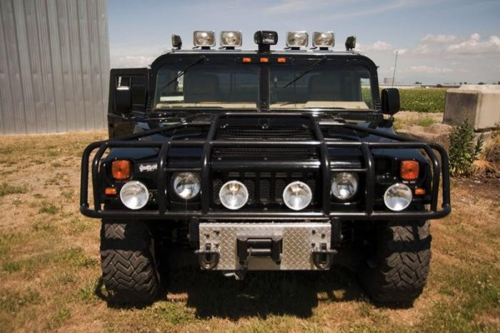 Hummer Тупака Шакура продали на аукционе со второй попытки (11 фото)