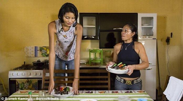 Самая высокая в мире девушка и ее низкорослый бойфренд (8 фото)