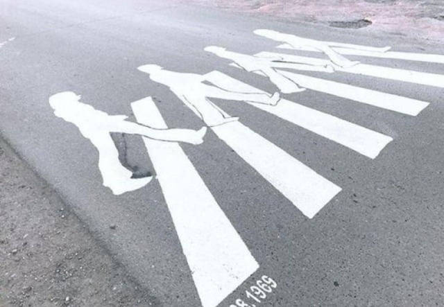 История необычного пешеходного перехода под Краснодаром (3 фото)