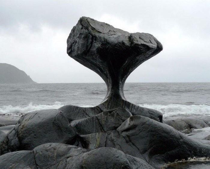 Почему вода точит камень? Объяснение физиков (3 фото)