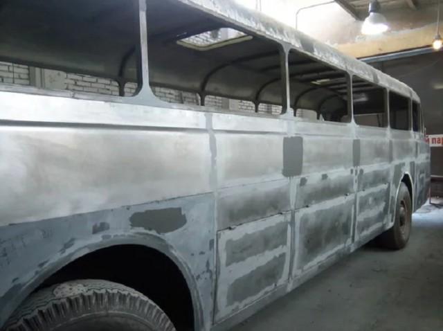 Восстановление старого автобуса Ikarus 55 Lux (21 фото)