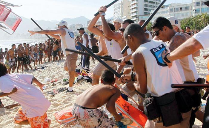 Темная сторона жизни в Рио-де-Жанейро (7 фото)