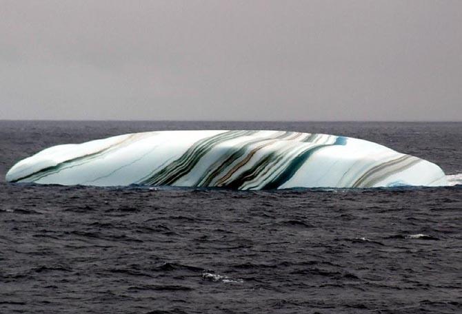 Полосатый айсберг (4 фото)