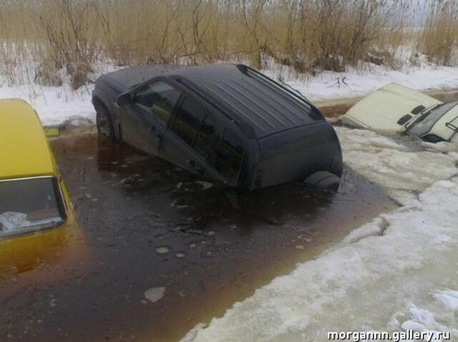 Парковка на озере (7 фото)