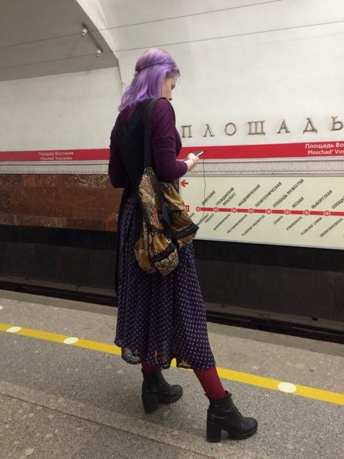 Стиляги в метро (35 фото)