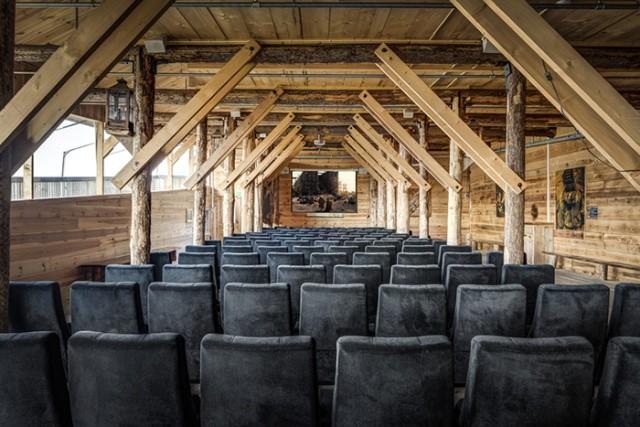Житель Голландии построил Ноев ковчег (8 фото)