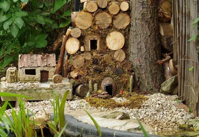 Британец построил в саду мышиную деревню (20 фото)