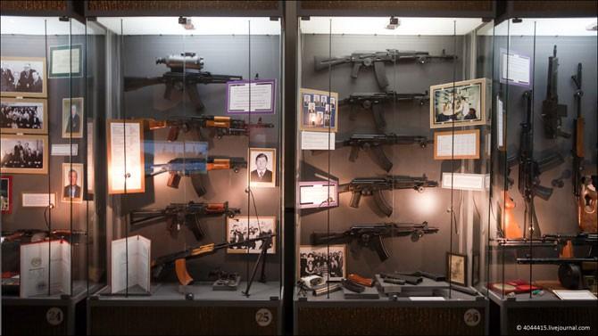 Музей Калашникова (17 фото)