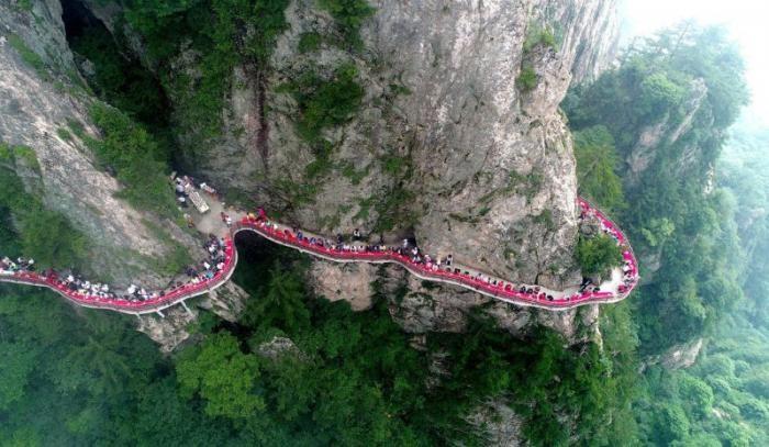 Экстремальный туризм по-китайски (18 фото)