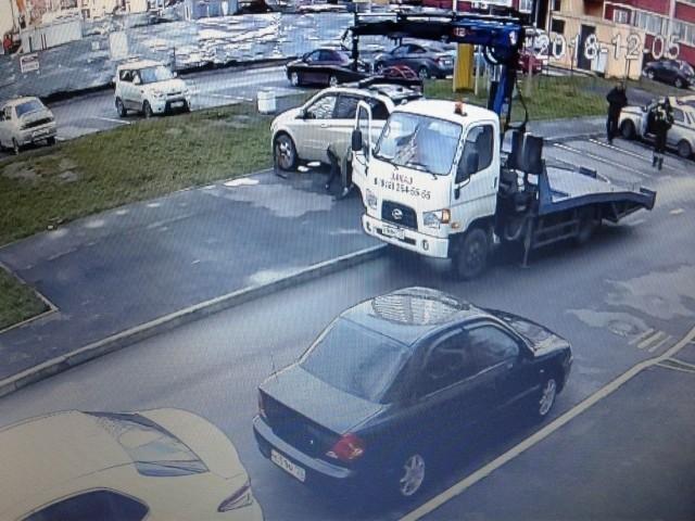 Как нужно поступать с обнаглевшими автолюбителями (4 фото)