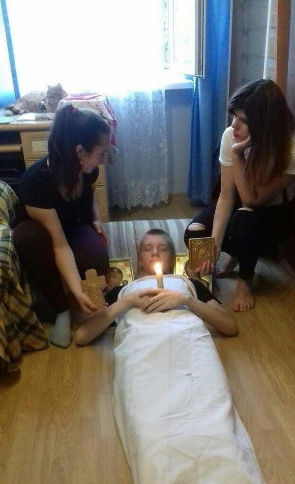 Безбашенные студенческие тусовки (24 фото)