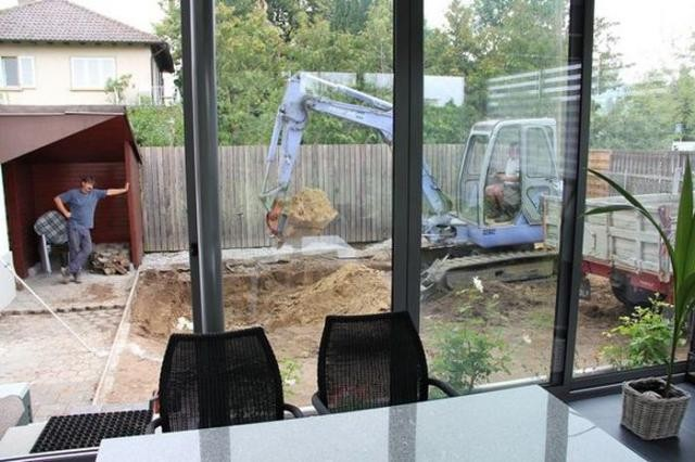 Необычные идеи для обустройства заднего двора дома (27 фото)