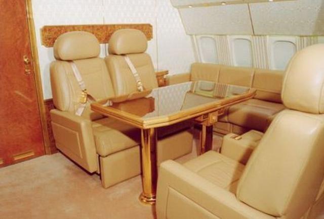Экскурсия по самолету президента (42 фото)