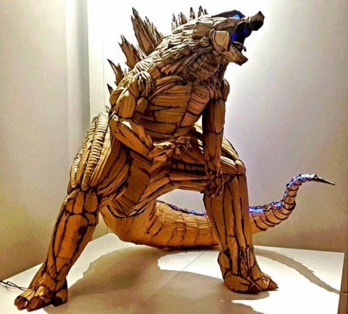 Художник-самоучка мастерит невероятные скульптуры из картона (8 фото)