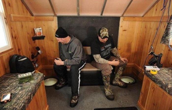 Мобильный домик для зимней рыбалки (5 фото)
