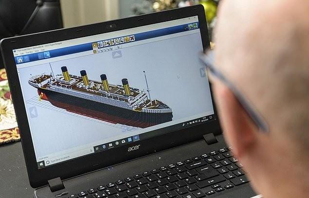 Британский пенсионер собрал копию Титаника из Лего (13 фото)