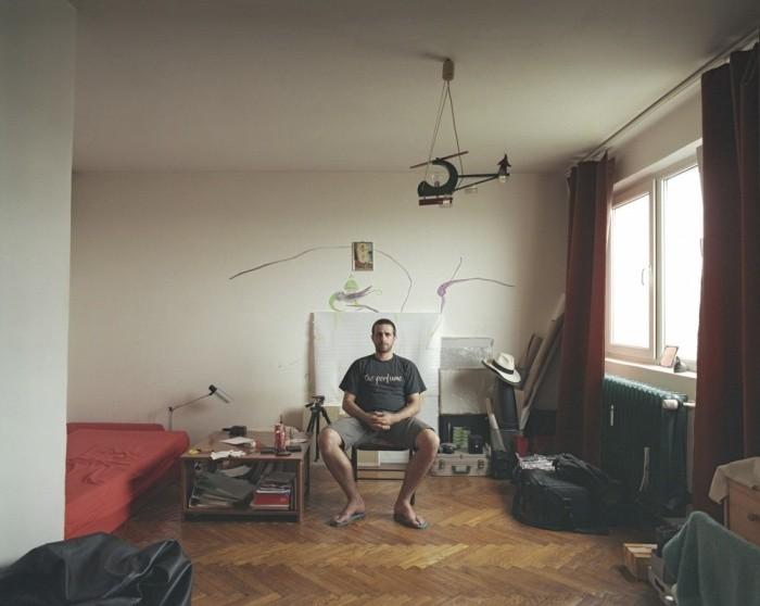 Одинаковые квартиры с совершенно разной домашней обстановкой (10 фото)