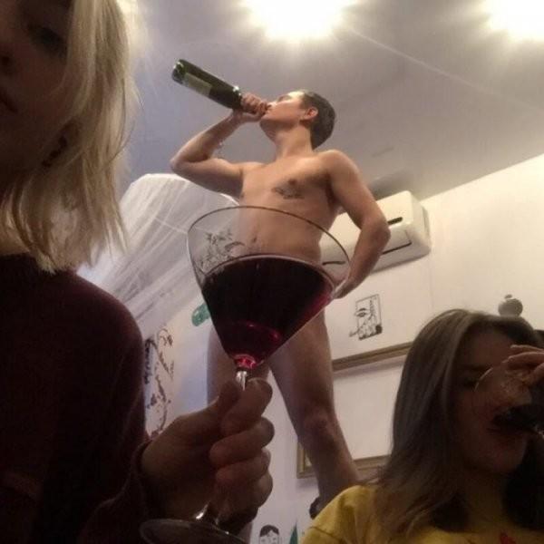 Молодёжные пьянки и вечеринки (37 фото)