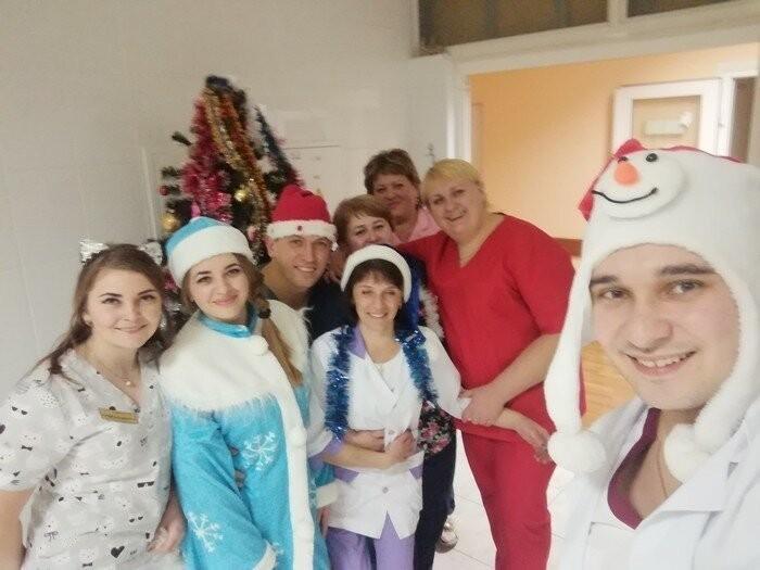 Новогодние смешные картинки (20 фото)