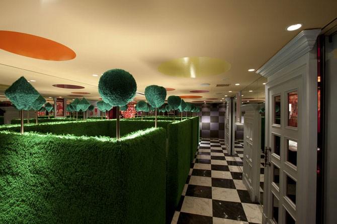 «Алиса в стране чудес» – удивительный ресторан в Токио (10 фото)