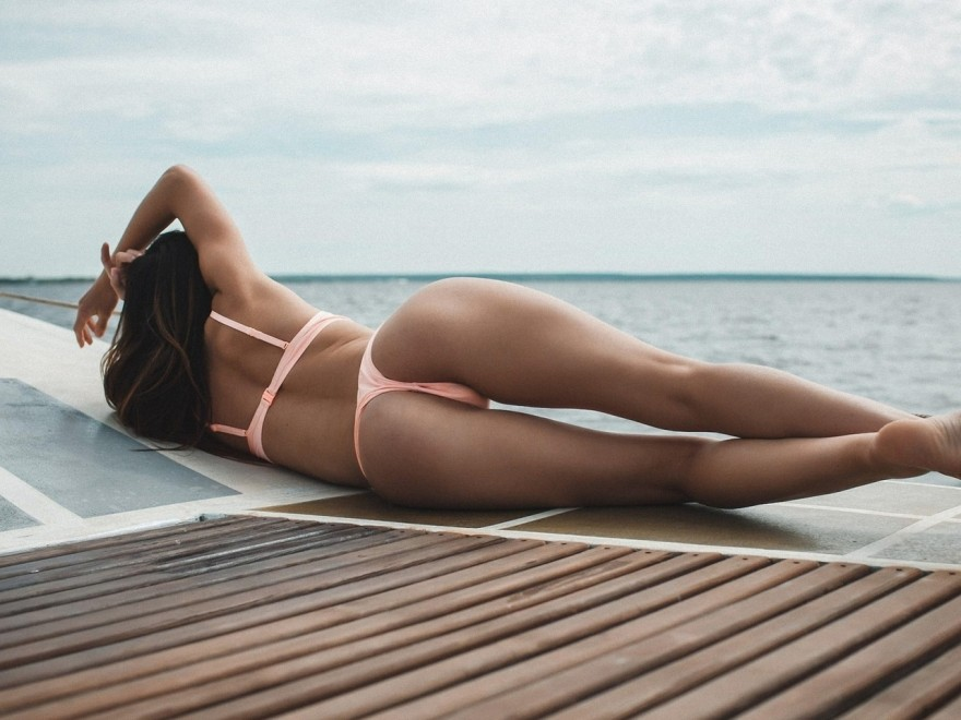 Девушки на море (20 фото)