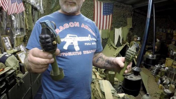Пенсионер из США — самый вооруженный человек планеты (12 фото)