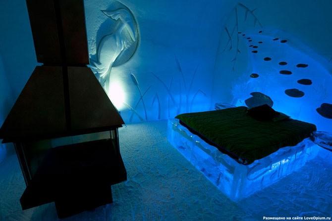 Уникальный ледяной отель в Канаде (35 фото)