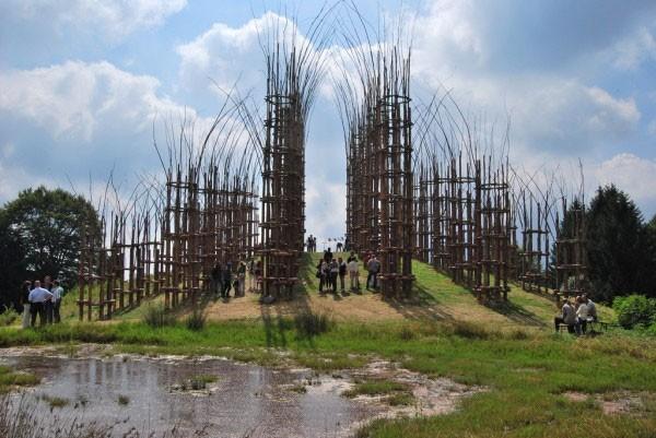 Храм из растущих деревьев в Италии (20 фото)