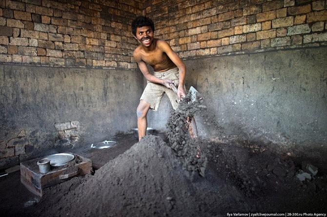 Маленький кастрюльный заводик на Мадагаскаре (21 фото)