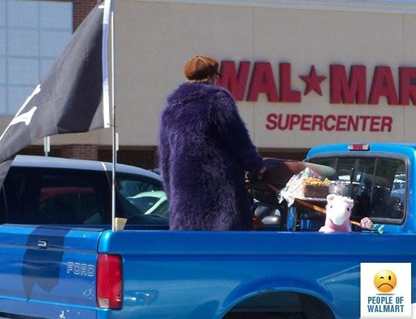 Экстравагантные покупатели Walmart (34 фото)